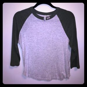 H&M grey/olive Baseball T